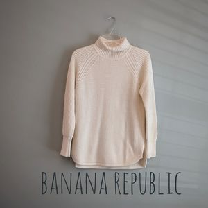 Banana Republic Turtle Neck Ivory Sweater Small